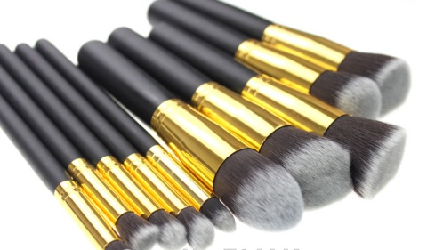 What Brand of Makeup Brushes Buy